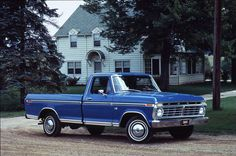 Pictures of Classic Ford Pickup Trucks: 1973 Ford F-100 Pickup Truck