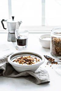 Omenagranola | K-Ruoka Granola, Oatmeal, Breakfast, Recipes, Food, The Oatmeal, Morning Coffee, Meal, Muesli