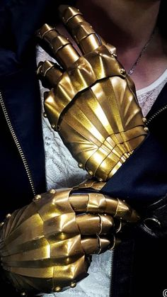 Armors, Gloves, Crafting, Leather, Fashion, Dance Rooms, Moda, Fashion Styles, Craft