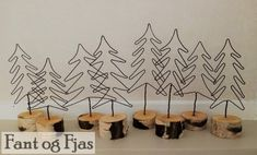 Grantrær til bordpynt eller julepynt Place Cards, Decals, Place Card Holders, Home Decor, Tags, Decoration Home, Room Decor, Sticker, Decal
