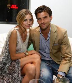 Olivia Palermo Johannes Huebl Photos - Olivia Palermo and Johannes Huebl attend the U. Open Player Party presented by Heineken at Skyline Studios on August 2009 in New York City. Open Player Party Presented by Heineken - Inside Estilo Olivia Palermo, Olivia Palermo Lookbook, Love Her Style, Looks Style, Johannes Huebl, Stylish Couple, Couple Outfits, Night Outfits, Fashion Couple