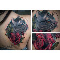 Tatuaje hace unos dias, espero les guste ,citas disponibles wa 3114955762 #xlionxtattoo #davidsaavedratattoo #neotrad #neotradsub #neotraditional #neotraditionals #neotraditional #neotraditionaltattoo #ink #cat #tattoo #tatuajes #bogotá #rose | por xLIONx LMC