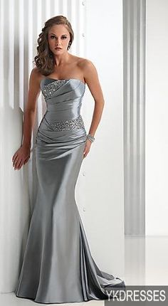 prom dresses // I wish it was red!
