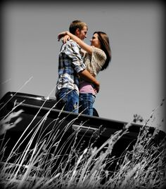 Engagement Pictures. Couples Picture. Country. Outdoor. Truck.