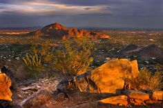 Hike up Camelback Mt trail to watch the sunset. This hike could be for more experienced hikers looking for a fast challenge, or could be taken slower by beginners. Places To See, Places Ive Been, Phoenix Arizona, Best Hikes, Day Hike, Best Vacations, Monument Valley, Trip Advisor, Around The Worlds