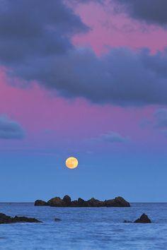 moon & purple sky