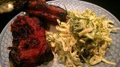 Revelsben og spicy slaw Lchf, Steak, Spicy, Chicken, Food, Essen, Steaks, Meals, Yemek