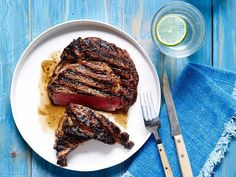 Bobby Flay Perfectly Grilled Steak Recipe from Food Network Grilled Steak Recipes, Grilling Recipes, Meat Recipes, Grilling Tips, Grilled Steaks, Grilled Brisket, Vegetarian Grilling, Healthy Grilling, Dishes Recipes
