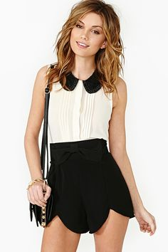 Clara Bow Tap Shorts in Clothes Bottoms at Nasty Gal Crop Top Outfits, Cool Outfits, Fashion Story, Classy And Fabulous, Types Of Fashion Styles, Spring Summer Fashion, Dress To Impress, Clara Bow, Style Inspiration