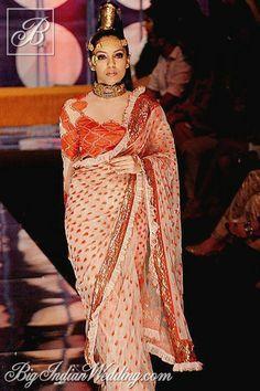 Rina Dhaka saree with designer blouse #saree #sari #blouse #indian #hp #outfit  #shaadi #bridal #fashion #style #desi #designer #wedding #gorgeous #beautiful