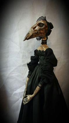 The Bird Lady gothic doll horror doll plague doctor por CosyDolls