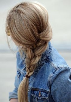 I love loose braids, and when it's tied up higher like this, not way down emphasizing all the split ends ahaha... Many of these in the slideshow are repeated, and many others I would not be able to do, but still good inspiration and reference