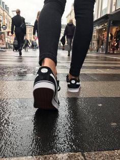 De 12 bedste billeder fra Sneakers   Sneakers, Puma sneakers