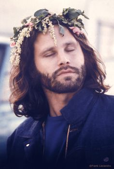 Jim Morrison!! What a hottie!! I love this picture