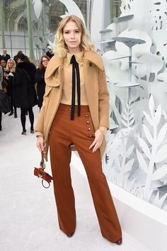 Elena Perminova Photos - Elena Perminova attends the Chanel show as part of Paris Fashion Week Haute Couture Spring/Summer 2015 on January 2015 in Paris, France. - Front Row at Chanel Fashion Week Paris, Winter Fashion, Style Couture, Haute Couture Fashion, Chanel Couture, Couture 2015, Star Fashion, High Fashion, Karl Lagerfeld