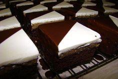 alebo u nás aj Eligo kocky Výborný orechovo - rumový zákusok. Nutella, Baked Goods, Sweet Recipes, Tiramisu, Deserts, Dessert Recipes, Treats, Baking, Cake