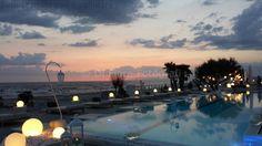 Fotografi matrimonio Napoli. Matrimonio moderno. Ricevimento nuziale a bordo piscina