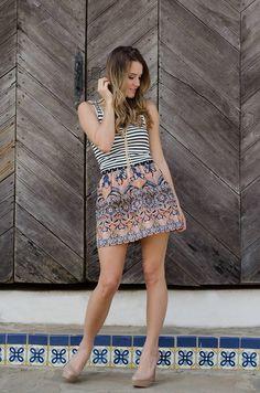 #FashionBySIMAN & Sofía Ávila: Puedes combinar las rayas con diferentes tipos de estampados y crear un outfit chick y diferente.