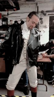 I would pay triple the amount to see Lin in a Hamilton show wearing a leather jacket Alexander Hamilton, Theatre Nerds, Musical Theatre, Theater, Hamilton Fanart, Hamilton Gif, Funny Hamilton, Hamilton Lin Manuel Miranda, Hamilton Musical