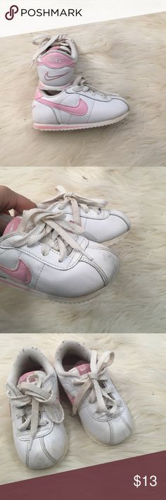 White and pink toddler Nike White shoes with pink Nike checks Nike Shoes Sneakers