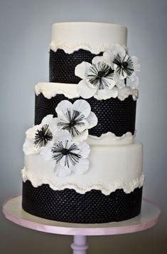 #KatieSheaDesign ♡❤ Black and White Textured Cake with Poppies
