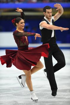 Laurence Fournier Beaudry and Nikolaj Sorensen of Denmark compete in the Ice dace free dance during the ISU Grand Prix of Figure Skating at Osaka...