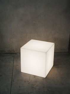 Cubo Outdoor LED Table lamp - Wireless - 25 x 25 x 25 cm White / Outdoor - 25 x 25 x 25 cm by Slide