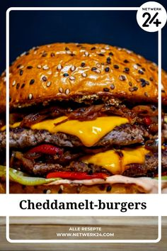 Cheddamelt-burgers Bacon Cheese Fries, Cheesy Bacon Dip, Bacon Roll, Bacon Mac And Cheese, Grill Cheese Sandwich Recipes, Cheese Ball Recipes, Burger Bar, Hamburger Recipes, Smoked Bacon