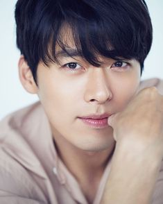 5 things to know about K-drama actor Hyun Bin, star of Crash Landing on You Korean Male Models, Korean Male Actors, Asian Actors, Hyun Bin, Free Netflix Account, Seo Joon, Image Of The Day, Asian Celebrities, Korean Star