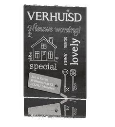 Trendy verhuiskaart krijtbord met typografie en label