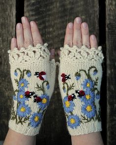 "sosuperawesome: "" Gloves and mittens by nbGlovesAndMittens on Etsy • So Super Awesome is also on Facebook, Twitter and Pinterest • "" I. AM. SPEECHLESS."