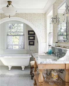 An Enchanting Seaside Cottage - Sophisticated Style Chic Bathrooms, Dream Bathrooms, Beautiful Bathrooms, Country Bathrooms, Small Bathrooms, Bad Inspiration, Bathroom Inspiration, Eclectic Living Room, Country Style Homes
