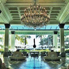 Loving the lobby @Palazzo Versace #luxury #glamorous #hotel #greatstaff #elegant #chic #resort