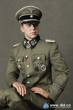 Kurt Meyer - SS-Obersturmbannführer