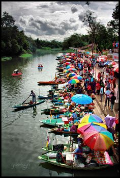 Floating Market!  I love markets and I love boats…..I can't wait for Vietnam.
