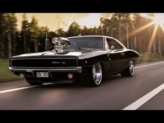 Here's A Dodge Charger Burnout That'll Have Your Insides Burning That Fire Of Love – CarBuzz
