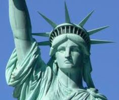 Must-See New York – Top NYC Attractions, Landmarks, Statue of Liberty, Empire State Building Famous Landmarks, Famous Places, Top Nyc Attractions, Places To Travel, Places To Go, Travel Things, New York City Guide, Free Nyc, Nyc With Kids