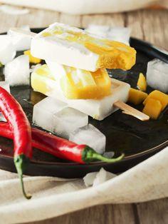 Mango-Kokos-Popsicle mit Chilli