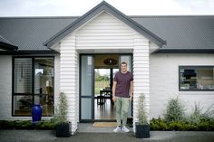 Brodie & Niki Retallick's partnered with national top 10 building company, Generation Homes to construct their five bedroom home in a popular subdivision north-west of Hamilton. #brodieretallick #generationhomes #house #newbuild #frontdoor