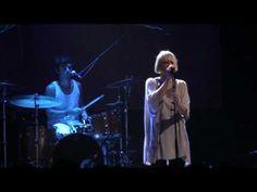 Sia - Breathe me (Live at Bataclan Cafe, Paris)