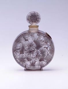 《ジャルディネ》 1922年 ルネ・ラリック作/ヴォルネイ 海の見える杜美術館 - Perfume Bottle <3