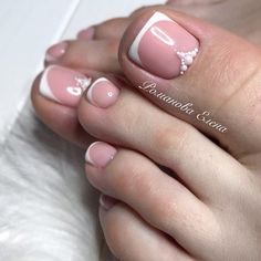 21 Amazing Toe Nail Colors to Choose This Season ❤ Elegant and Stylish French Tips for Your Toes picture 3 ❤ Your toe nail colors should always keep up with the season. There is no way we will allow you to stay behind and out of the trend! Green Nail Designs, Elegant Nail Designs, Beautiful Nail Designs, Pedicure Designs, Manicure E Pedicure, Toe Nail Designs, Pedicures, Black Toe Nails, Pretty Toe Nails