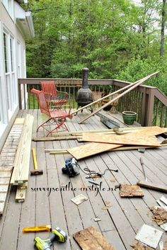 How To Transform An Old Worn Deck Into A Beautiful Outdoor Room