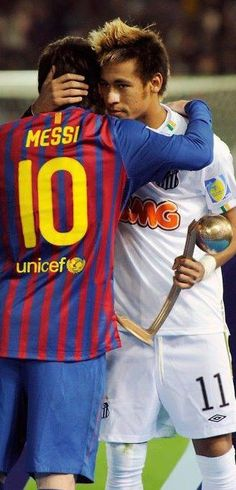 "Messi tells Neymar, "" come play at Barca with me and together we will rule the planet"". Messi And Neymar, Messi 10, Lionel Messi, Football Match, Football Jerseys, Football Soccer, Good Soccer Players, Football Players, Barca Team"