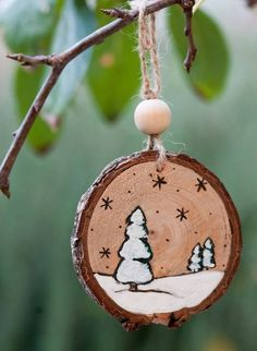 12 Amazing DIY Handmade Christmas Ornaments Design Ideas Best Picture For Diy Wood Ornaments snowman Wooden Christmas Decorations, Christmas Ornament Crafts, Primitive Christmas, Homemade Christmas, Rustic Christmas, Christmas Art, Christmas Projects, Holiday Crafts, Christmas Paintings