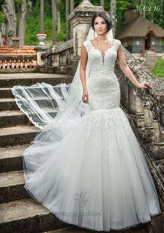 Un model de rochie de mireasa stil sirena care iti va accentua trasaturile si iti va pune in valoare silueta.