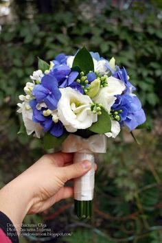 Baiciurina Olga's Design Room: White&Blue wedding bouquet-Бело -синий свадебный букет.