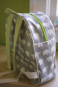 Love this elephant fabric for the Made by Rae backpack pattern i use.Risultati immagini per backpack tutorial sewingthe Toddler Backpack Pattern from Made by Rae – it's a great pattern and kids look so cute and grown-up wearing these little backp Backpack Tutorial, Backpack Pattern, Little Backpacks, Cute Backpacks, Toddler Backpack, Backpack Bags, Jansport Backpack, Sewing For Kids, Baby Sewing