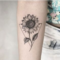 Chic Sunflower Tattoos Ideas That Will Inspire You To Be Colorized To . - Chic Sunflower Tattoos Ideas That Will Inspire You To Be Inked – Stylish Chic Sunflower T - Girls With Sleeve Tattoos, Small Girl Tattoos, Tattoo Girls, Trendy Tattoos, Cool Tattoos, Tatoos, Awesome Tattoos, Flower Sleeve Tattoos, Unique Tattoos For Women