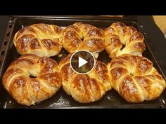 Bread Bun, Easy Bread, Frozen Birthday Party, Baked Eggs, Bagel, Finger Foods, Bread Recipes, Food And Drink, Appetizers